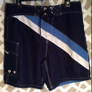 MOSSIMO SUPPLY CO., Men's EUC Board shorts.
